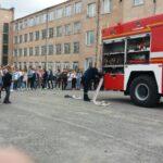 """Вихованці курсу """"Побудова кар'єри""""  зустрілись із працівниками пожежної служби"""